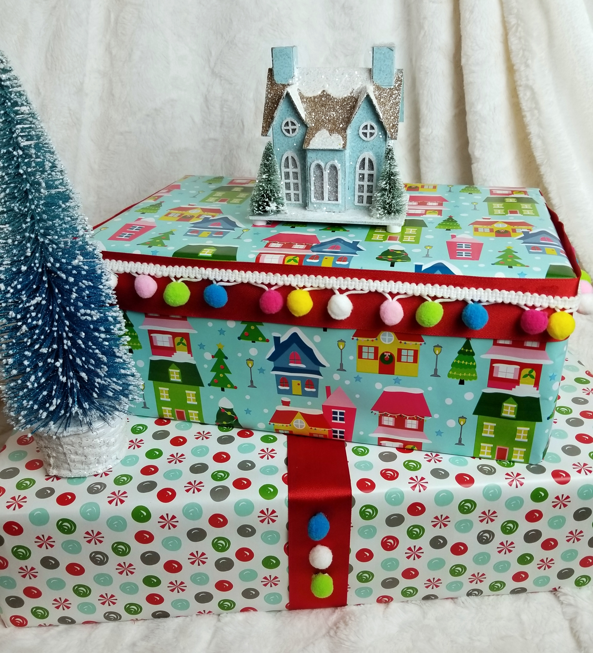 Wrap Your Gifts Like A Pro 6 Easy Christmas Gift Wrapping Ideas Trims By The Yard